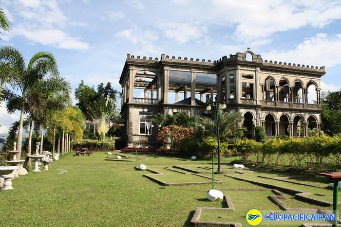 Căn biệt thự The Ruins đầy bí hiểm ở Bacolod
