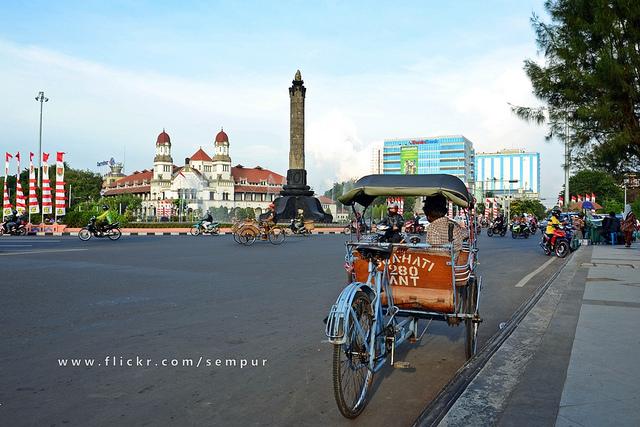 Du ngoạn thành phố Semarang thanh bình