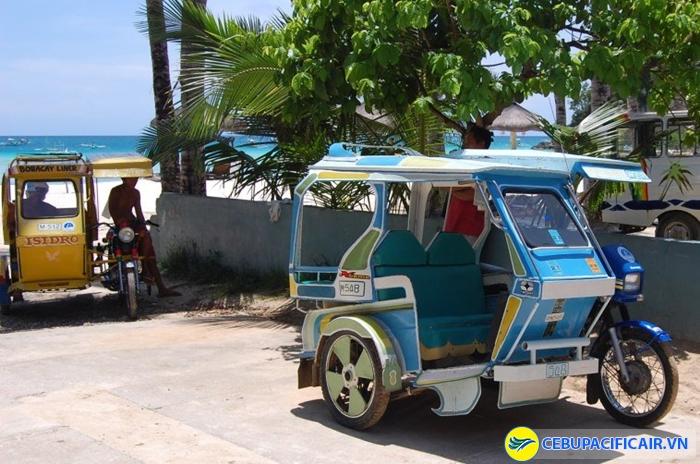 Tự đi Kalibo bằng cách bắt Tricycle ra bến phà rất tiện và rẻ