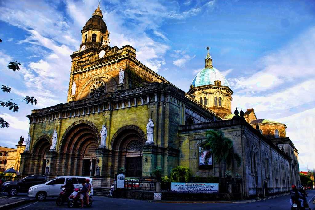 MG_8236_(Cathedral-Basilica_of_the_Immaculate_Conception_and_informally_as_Manila_Cathedral)