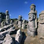 wallpaper-tol-harubang-statues-in-jeju-island(1)
