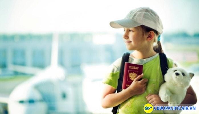 Cebu Pacific từ chối vận chuyển trẻ em dưới 8 ngày tuổi