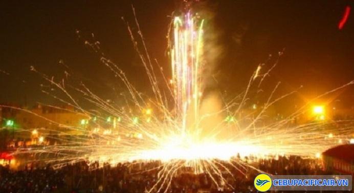 Lễ hội đốt pháo mừng năm mới