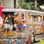 Du lịch quanh thành phố bằng xe Jeep