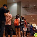 Người dân Singapore xếp hàng để gửi tiền lấy may đàu năm